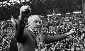 Shanks, scarf and kop